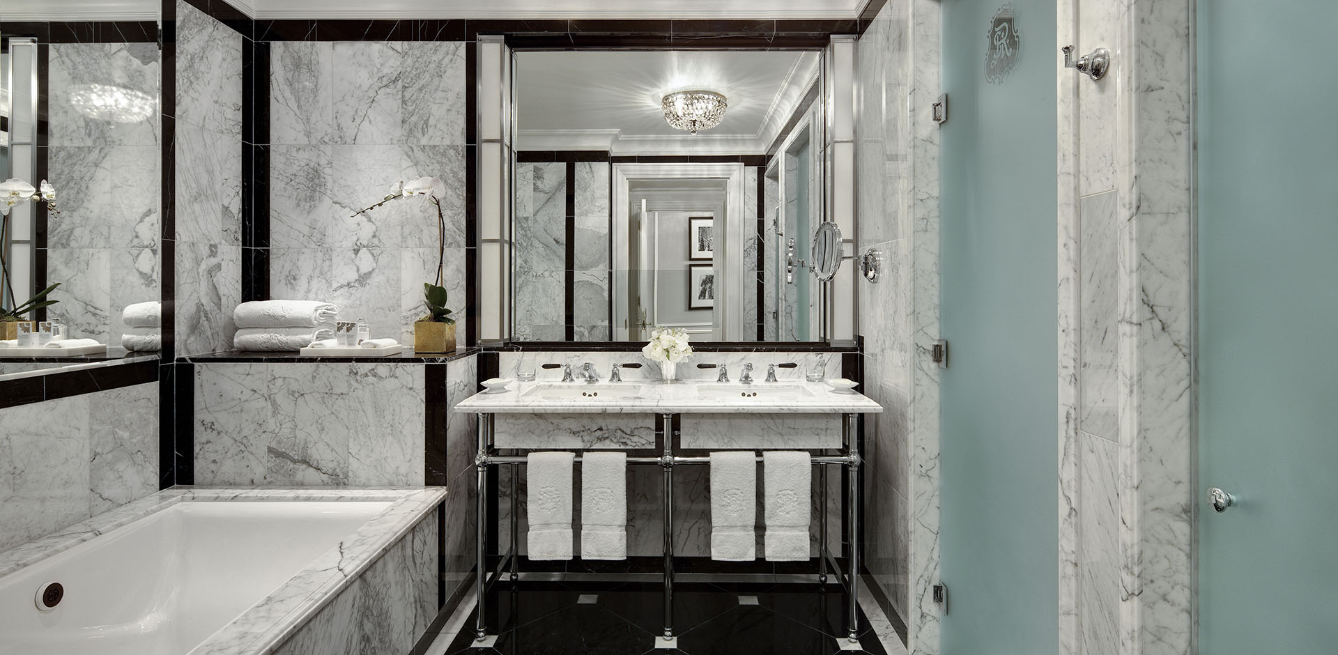 St Regis, New York - 5th Ave.Suite Bath