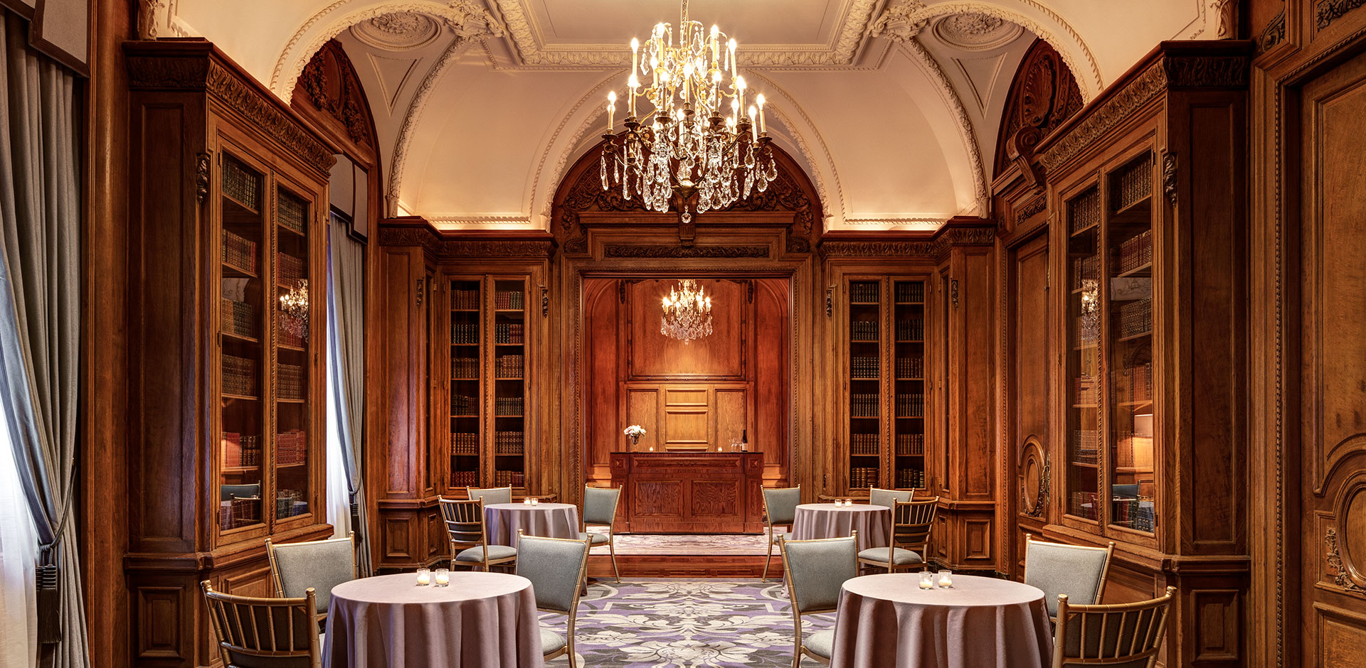 St Regis, New York - Library